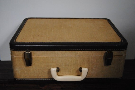 Little 1940s Tweed Vintage Case - Hardshell Suitcase Storage Travel Luggage Home Decor Collectable
