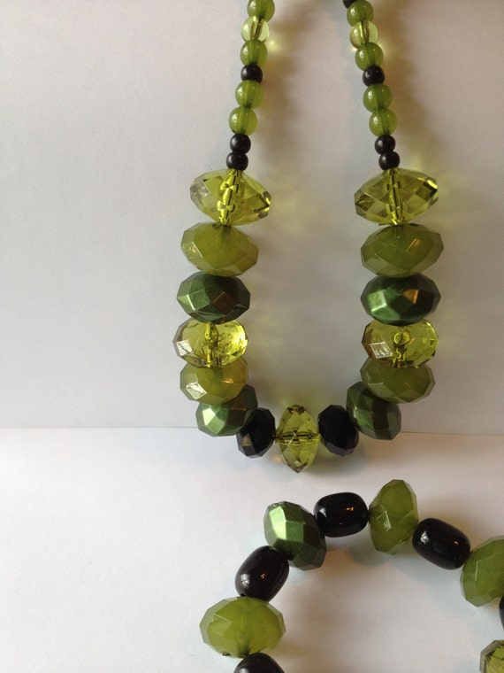 RESERVED FOR KAREN Olive Green and Black Necklace andBracelet with Silver Pair Hoop Earrings Set