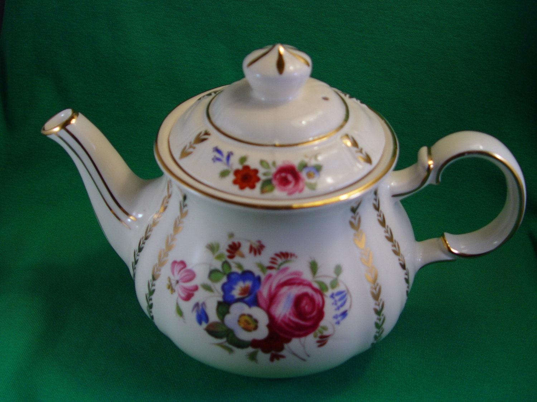 Reserved Rhian Sadler Teapot England 3682