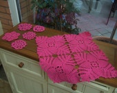 Fuxia table runner and five little ones.( FREE SHIPPING)