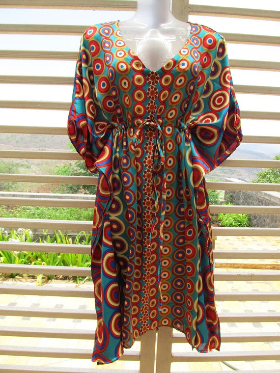 NEW - Colorful satin kaftan dress with polka dots