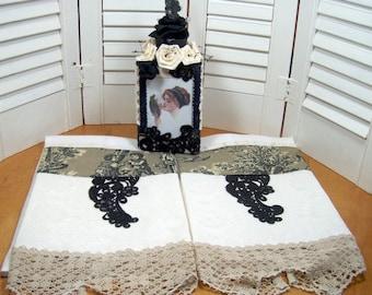 VICTORIAN Vanity or Dresser Set - Decorator Bottle and Guest Towels - Viintage lace