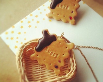 Chocolate Dip Biscuit Necklace