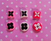 Flower Logo Squares and Circles Cabochon 6 pieces in mixed colors