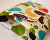 Lunch Wrap, Lunch Mat - Machine Washable - Eco Friendly - Apples and Pears