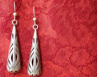 Beautiful Vintage Sterling Silver Teardrop Earrings