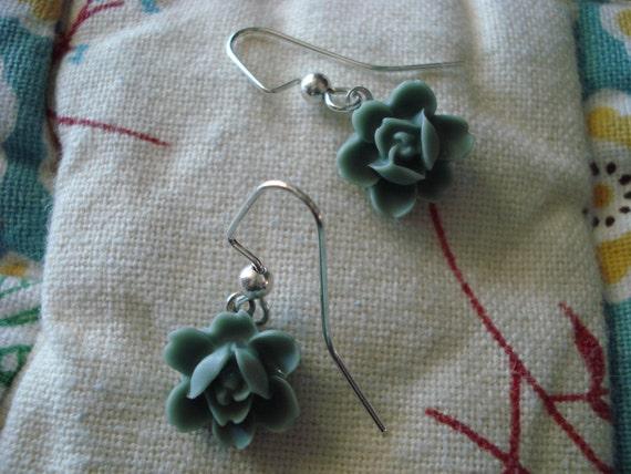 Tiny Teal Flower Dangle Earrings 10mm