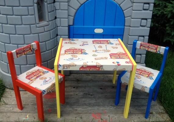 Barnum's Animal Crackers Table