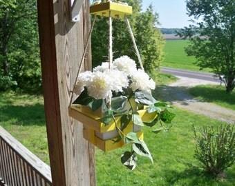 Wood Hanging Flower Pot Planter, Hanging Planter, Wood Hanging Planter, Hanging Plant, Deck Hanging Planter,Patio Hanging Planter