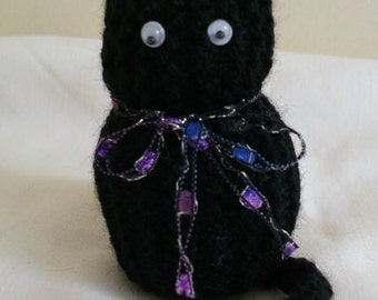 Knitted Black Cat