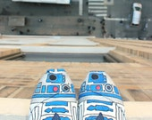 Custom TOMS - R2D2 aka R2DShoe - Hand Painted & Star Wars Inspired