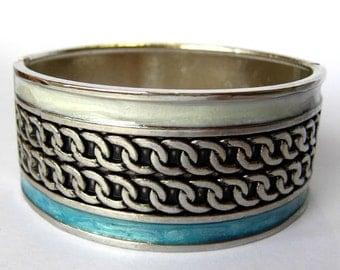 metal vintage bracelet oval shape