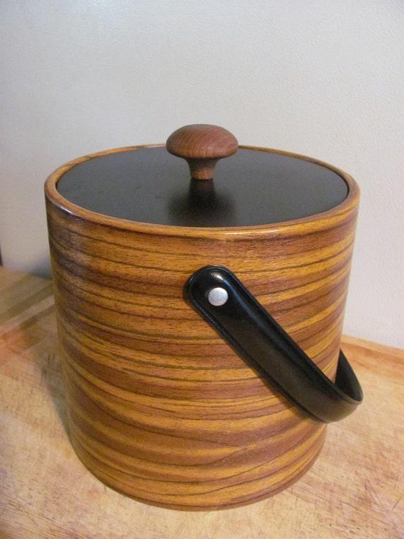 Retro faux wood grain Irvin Ware ice bucket with wooden knob handle