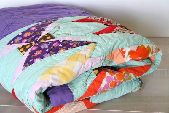 beautiful vintage quilt with butterflies queen double 84x76 VIBRANT excellent condition