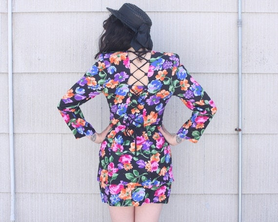 CUT IT OUT Floral Set - Skirt & Top with Open Back - 80s - small to medium