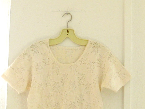 Vintage lace semi-sheer blouse : cream / off white stretch t shirt summer top size small S