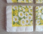 Vintage Daisy Paper Party Napkins . 4 Packages . New Old Stock