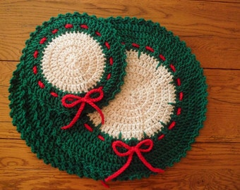 Crocheted Holiday/Christmas Placemats & Hot Mat (Set of 5) - red, green and off white
