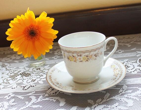 Vintage Tea Cup - Yellow Floral Pattern Ekco International Golden Autumn China D2