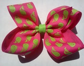 Lime green whale and pink print hair bow