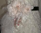 SALE Womens Bridal Sash Blush Ivory, White Feathers Soft Pink Berries Swarovski Crystals Flower bridal sash Bridal Belt