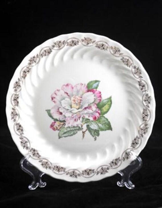 1940's Vintage Royal China Royal Camellia Dinner Plate
