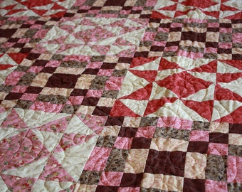 "Ginger Belle Quilt 86"" x 86"" in Pink & Purple"