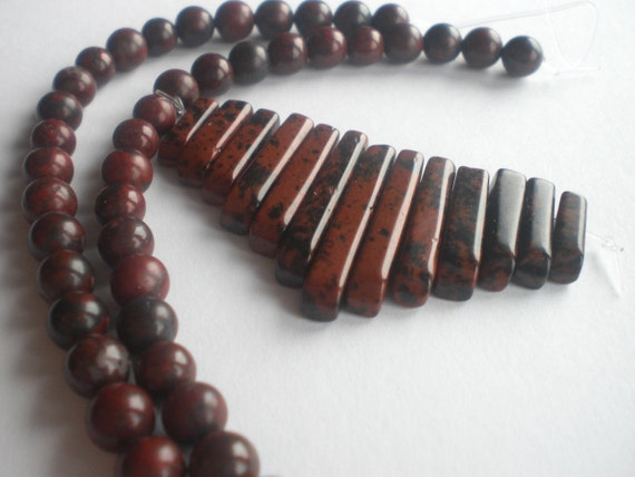 Red and Black Jasper Dagger and Round Beads Set