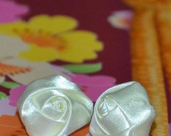 Creamy Roses Ribbon Earrings