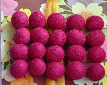 20pcs Fuchsia Wool Felt Balls (2cm)