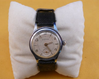 "USSR (Soviet Union)  EARLY ""WOSTOK""  wrist watch 1940-50  Ultra Rare Very Good"
