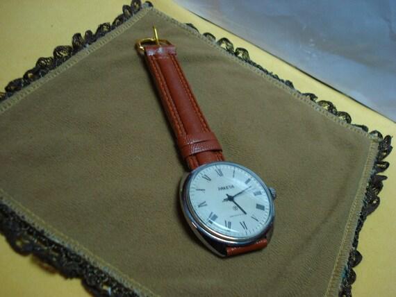 "Ussr ""Raketa"" wrist watch 1960-70  big case very rare white dial Perfect"