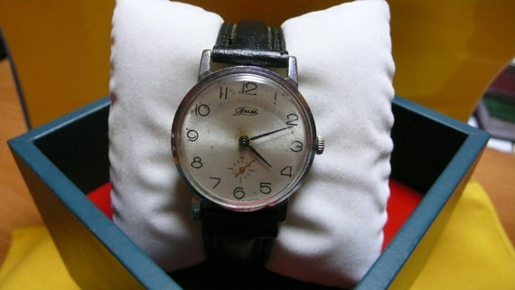 "USSR  ""ZIM"" wrist watch 1960-70 interesting  Rare Very Good"