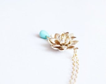 tiny bloom - dainty gold necklace - gift for her under 15  /floral jewelry