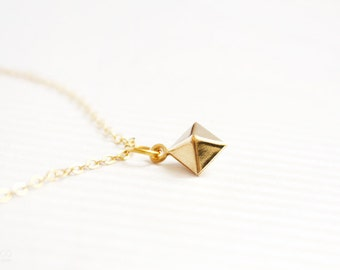 pyramid - geometric dainty bracelet - minimalist gold jewelry Gift for her