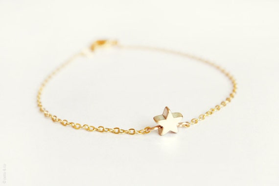 tiny star bracelet - dainty gold chain bracelet - gift for her under 20