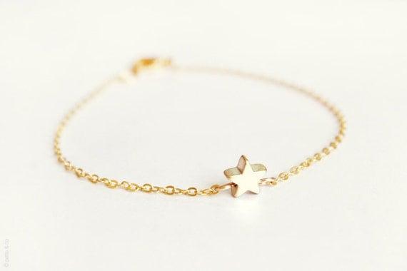 tiny star bracelet - dainty gold chain bracelet - gift for her under 20