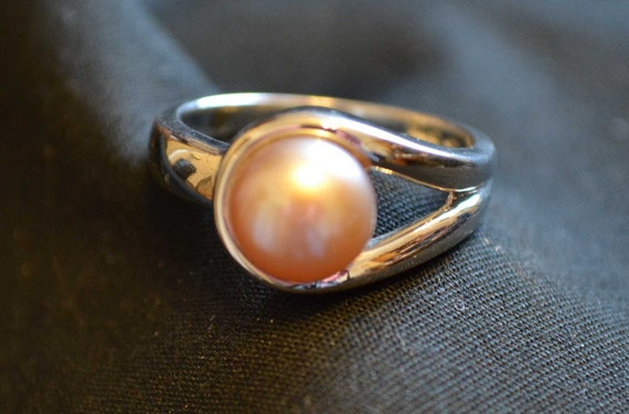Sterling Silver, 925 and Pink / Champaign Colored Genuine Pearl Ring sz 7 or 8