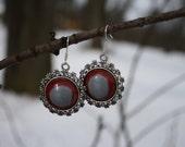 gray-red earrings, for all women:)