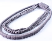 Chain with bracelet, crocheted, stylisch