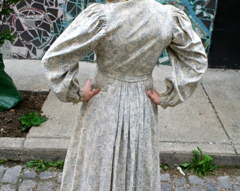 Antique White Paisley Dress from 1800s, Paris, France - Victorian prairie dress