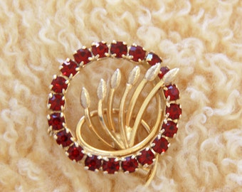 Red Rhinestone Brooch - Red Prong Set Gold Tone Wheat Flower Bud Circle Brooch Pin Vintage