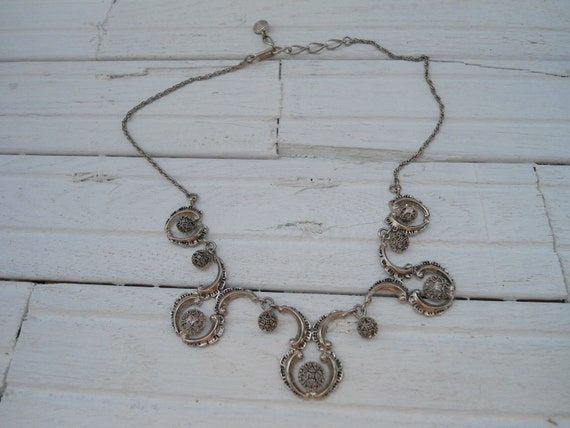 FESTOON FILIGREE NECKLACE - Vintage Silver tone