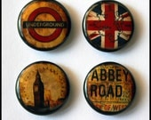 Set of 4 - One inch button magnets - The British are coming (Lot 2)