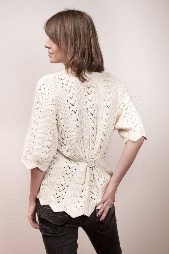 20% SALE Vintage knit sweater white women size small medium