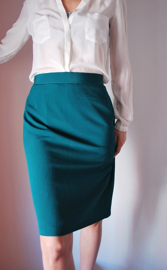 Vintage pencil skirt green women size small by Amal7hea on Etsy