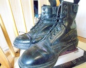 Doc Martens (made in england) SIZE 8