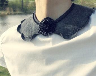 Handmade collar / necklace with pearl blossom (vintage style)