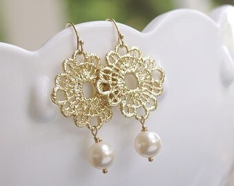 Ivory and Lace Earrings - Swarovski Pearl Dangle Earrings on Gold Filled Earwire - Pearl Bridesmaid Jewelry, Pearl and Gold