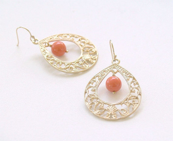 Coral and Gold Teardrop Earrings - Coral Swarovski Pearl - Gold Filled Earwires - Coral Bridesmaid Spring Fashion